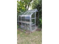 Greenhouse in good condition for sale - ideal Xmas present