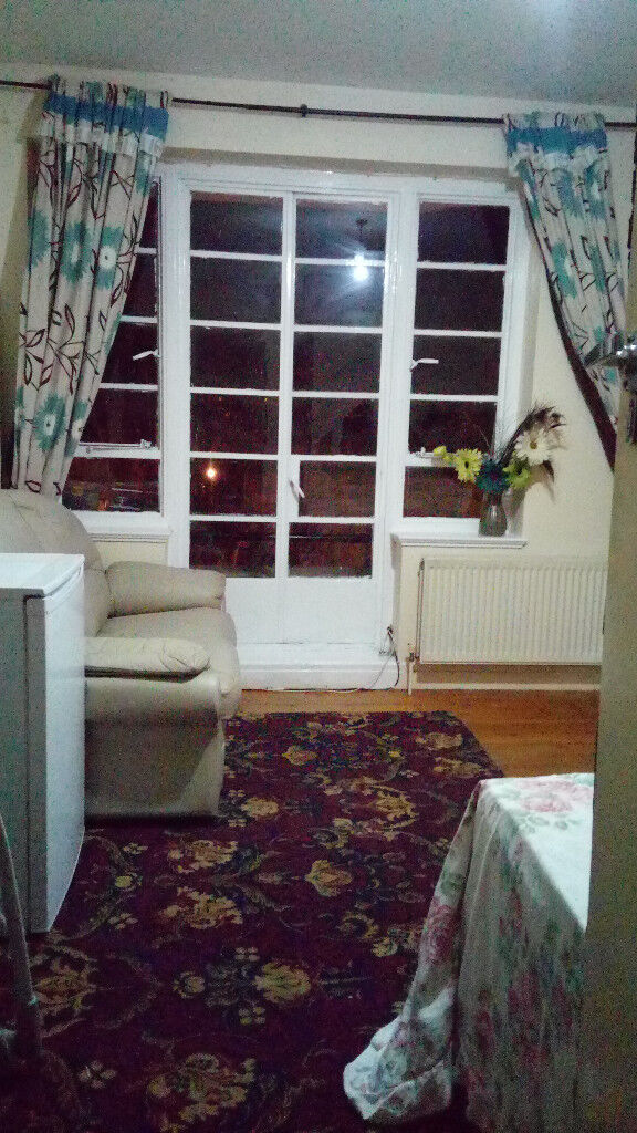 Large Double Room in Clifton, Queens Road, Triangle, Furnished, All bills included