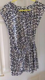 Whistles. Size 8. 100% Silk Sleeveless Top Navy blue/yellow dab random pattern.
