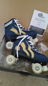 Rio roller skates like new size 7 blue and gold