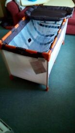 Hauck Dream and Play Travel Cot Almost New