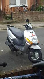 Honda lead 102cc delivery scooter moped 10k miles