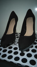 heels In black never used size 7 bought from shoe box!can deliver or post! Thank you