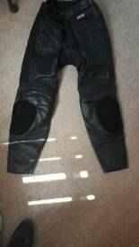 Akito size 32 leather trousers