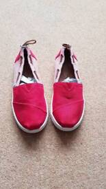 Boys red size 2 toms