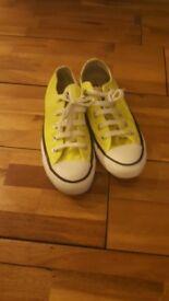 Converse size 4 /37