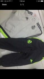 Boys football tracksuit 3-4