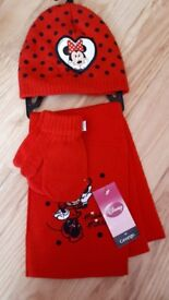 Disney minnie mouse hat gloves & scarf set