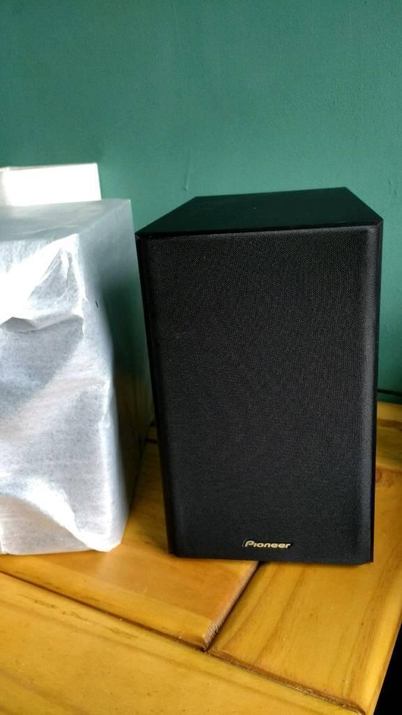 speakers in box. brand new in box pioneer speakers