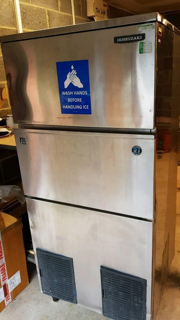 Hoshizaki 240kg / 24hr ice machine
