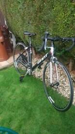 Giant 5, Defy Aluxx Road Bike.