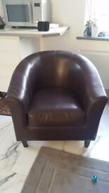 Beautiful Memory Foam Tub Chair With Stitched Detail
