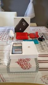 Mint condition Microsoft Lumia 950 Bundle! Check Description!