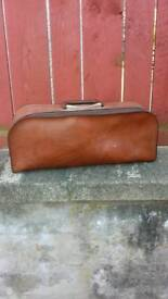 Vintage styled leather bag