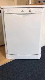 Indesit IDF125 dishwasher