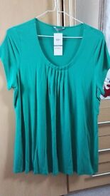 Lovely emerald green ladies M&S top size 20 new with tags