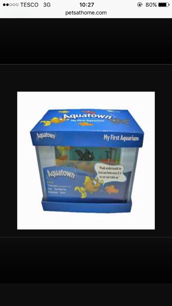 Fish tank and fish for sale £20