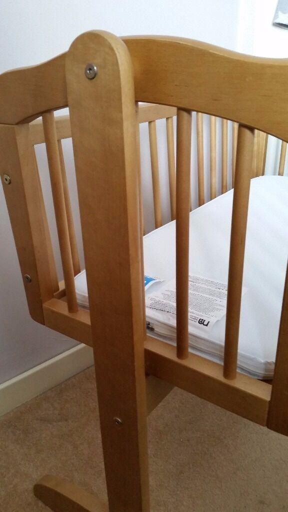Swinging Crib Free To Uplift