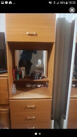 Dressing with 3 drawers and a hatch