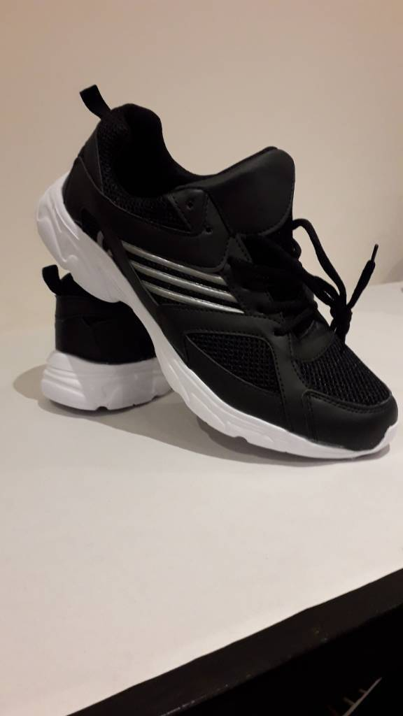 Men trainers lightweight UK Size 9 shoes for men s  521912938