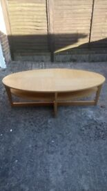 Oval Vejmon coffee table