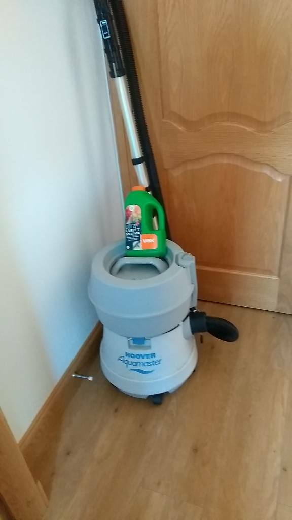 Carpet cleaner. Hoover aquamaster