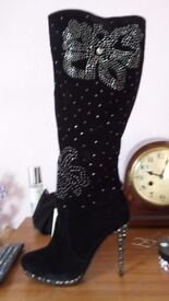 Lovley boots size 6