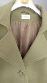 Classy Womens Long Green Coat Size 22/24