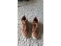 Brown size 7 women's shoes