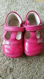 Clark girls shoes cruise and crawl size 4f