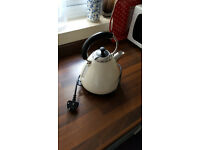 Kettle sainsbury £10