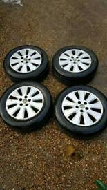 Vectra alloys wheels and tyres