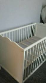 Cot and changing unit