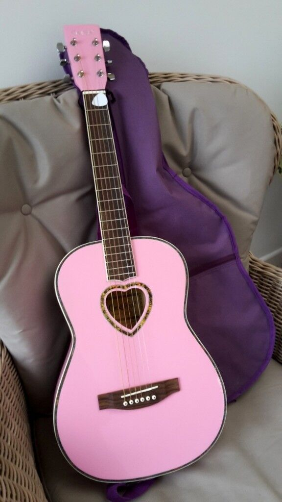 GUITAR 3/4 SIZE CANDYROX PINK + STRAP + MATCHING CASE + PLECTRUM