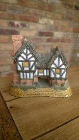David Winter Cottages, Tudor Manor House, 1981