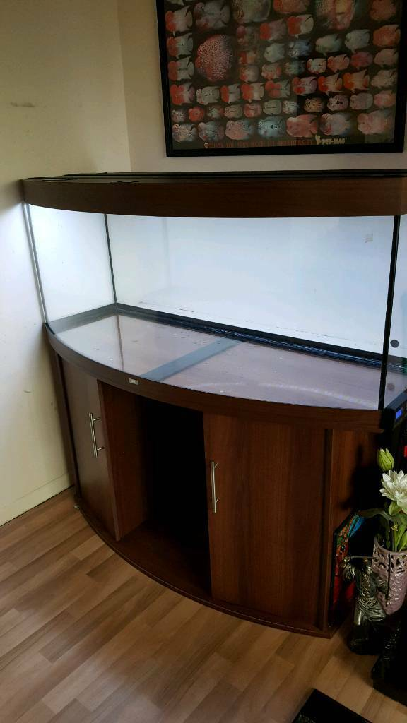 Juwel vision 450in Saltash, CornwallGumtree - Juwel vision 450, only 7mths old from new. Bought from complete aquatics and everything still under warranty. In great condition as you would expect from a tank this age, no scratches on the glass or water damage to the stand. Upgraded juwel helialux...