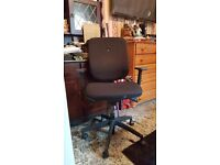 professional office/computer workstation swivel chair