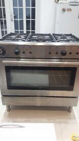 90 cm Whirpool 5 burners gas cooker and splash back £100