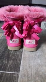 Girls pink Bailey bows ugg boots uk 9