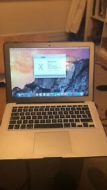 (SOLD)Macbook Air (13-inch, Early 2015) - 1.6GHz intel Core i5