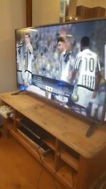 LG TV! BARGAIN Very much NEW barely used MUST BE SEEN VERY CHEAP!