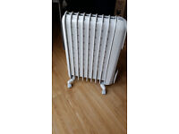 Delonghi radiator - great condition - paid £80, selling for £40
