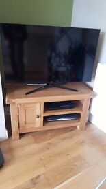Solid Oak tv stand and matching sideboard