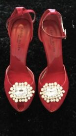 Karen Milan shoes size 4 bling