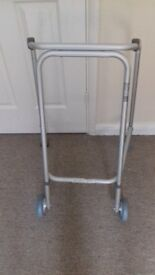 Lightweight walking frame with 2 wheels