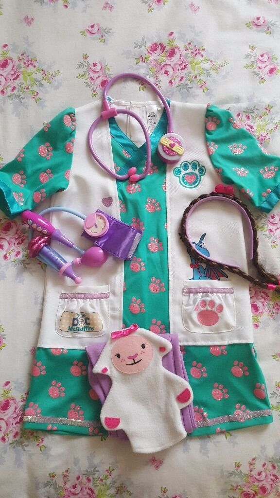 GORGEOUS GOOD AS NEW DOC MCSTUFFINS DRESS UP ROLL PLAY COSTUME..SIZE 5-6YRS