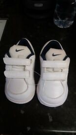 Brand new toddlers boys Nike trainers baby size 3 and half 3.5