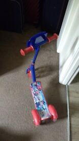 Paw patrol scooter hardly used . very good condition