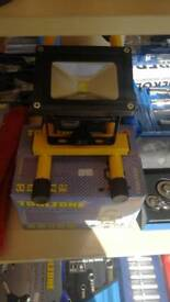 600 lumens 10w rechargeable work light
