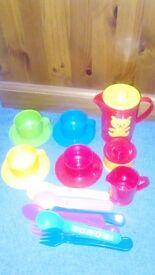 Childrens tea set tea pot/sugar bowl/4cups